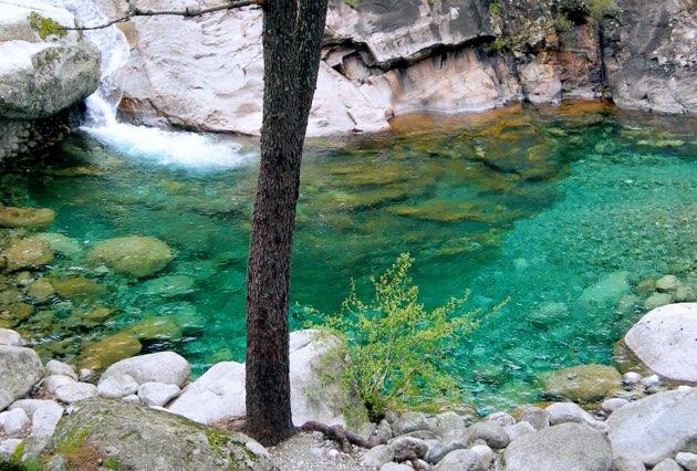 Gredos chapuzones en plena naturaleza for Piscinas naturales sierra de gredos