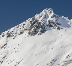 Pico más alto de Gredos el Almanzor cubierto de nieve