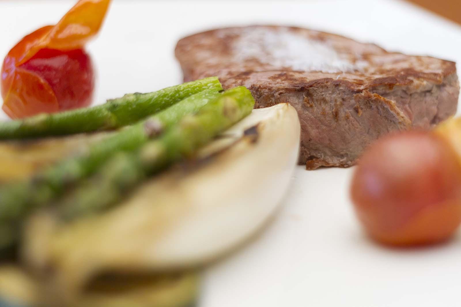 Restaurante Hotel Mirador de Gredos - Carne con verduras - Detalle