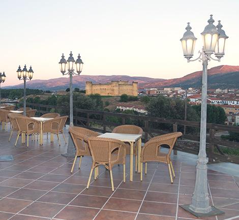 terraza vistas Castillo Valdecorneja HMG